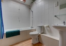 Robin Bathroom