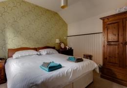 Robin Bedroom
