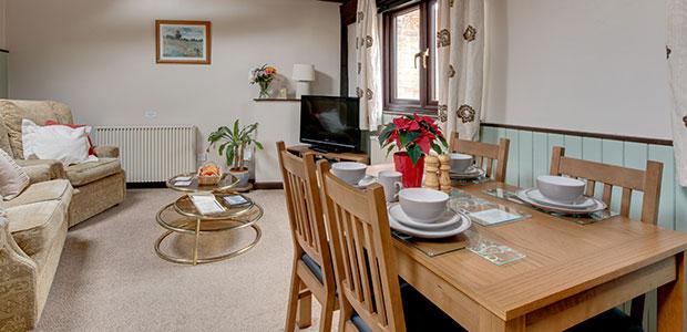 Robin, Bird's Farm Holiday Cottages, Essex